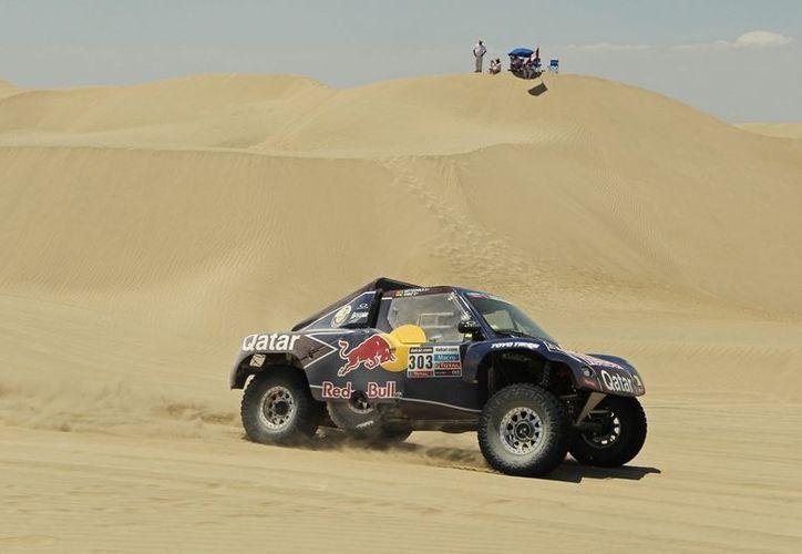 Sainz se encontraba fuera de posibilidades de conquistar su segundo Rally Dakar. (Foto: Agencias)