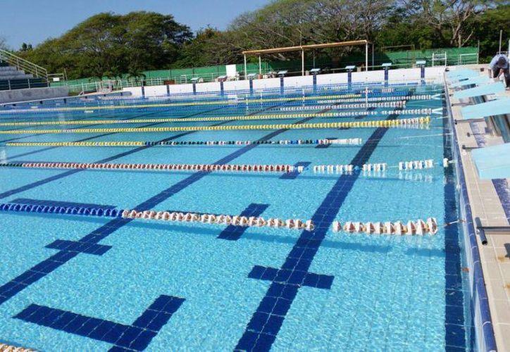 La alberca olímpica de Cancún reanuda clases hoy, luego de una limpieza profunda. (Redacción/SIPSE)