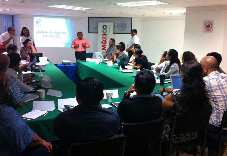 En la reunión se contó con la asistencia de 70 personas. (Francisco Gálvez/SIPSE)