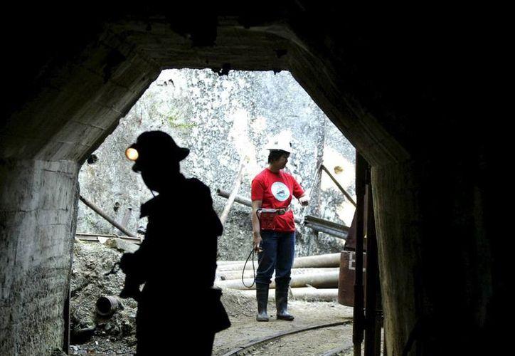Los mineros que perdieron la vida en el socavón ya fueron identificados. Imagen de la entrada al lugar del accidente. (EFE/Archivo)