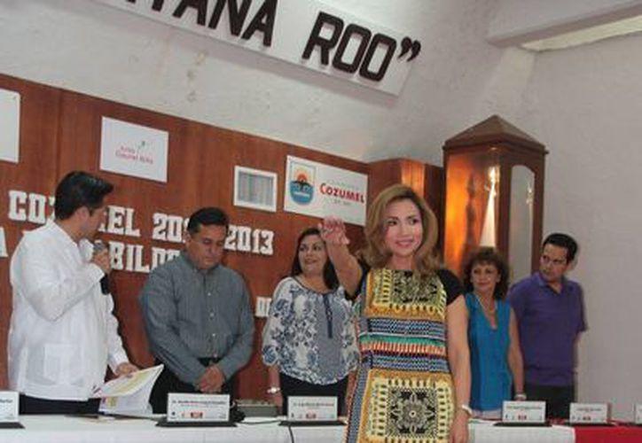 Marisol Dzib Romero asumió el cargo de síndico municipal. (Julián Miranda/SIPSE)