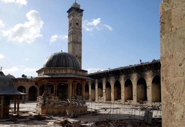 La Gran Mezquita de Aleppo, destruida por explosivos. (Agencias)