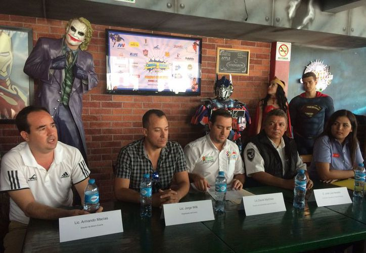 La conferencia se llevó a cabo el día de ayer en el restaurante Comicx. (Redacción/SIPSE)