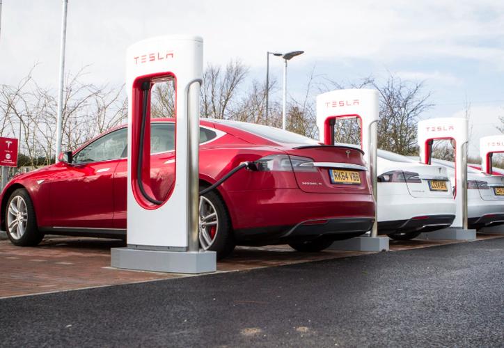 La  red de carga, permitirá a los usuarios de vehículos eléctricos realizar viajes de mayor recorrido. (Contexto)