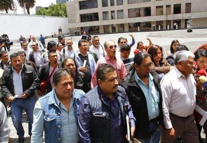 Los maestros realizaron una movilización en el centro de la Ciudad de México antes de la reunión con autoridades. (Milenio)