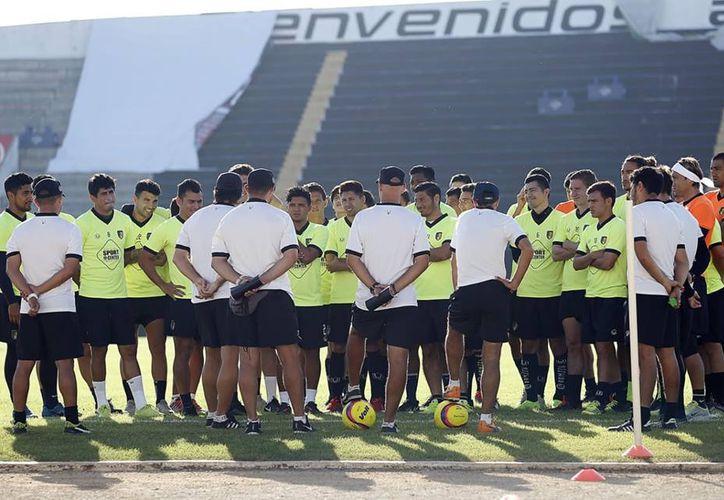 La escuadra se mantiene entrenando en sus instalaciones de Tamanché. (Milenio Novedades)