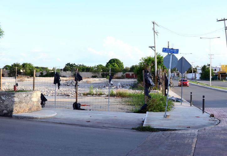 Vecinos de la avenida Quetzalcóatl manifestaron su molestia por la gasolinera. (Foto: Jorge Acosta/Milenio Novedades)