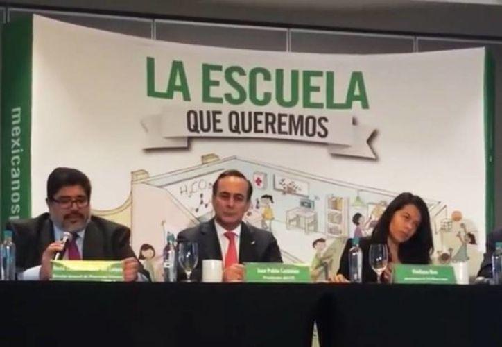 'Ya basta de financiar con recursos mexicanos a una fuerza opositora del derecho y de la educación', aseguró el presidente de Mexicanos Primero, Claudio X. González. (Captura de pantalla de Facebook)