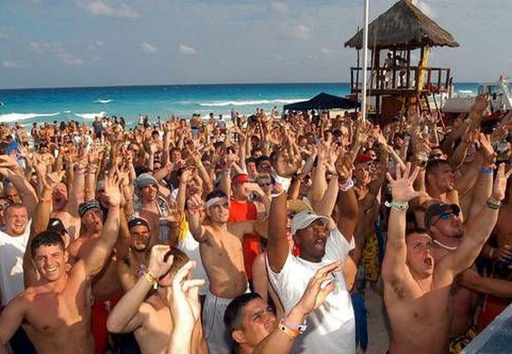 Con el código de conducta durante su estancia en Cancún se pretende que los turistas disfruten con seguridad. (legrandjournal.com)