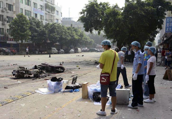 Sitio de la explosión. Investigan si se trató de un accidente o un atentado. (Agencias)