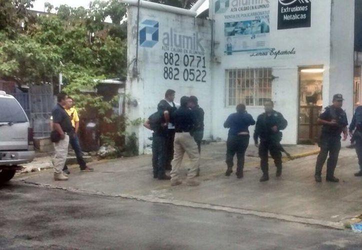 Un hombre fue herido de bala esta tarde en la Región 97 de Cancún; hay dos lesionados más pero se encuentran estables. (Redacción/SIPSE)