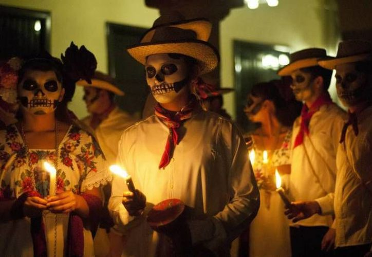 Las celebraciones en honor de las ánimas en Yucatán datan de tiempos de la época colonial. (SIPSE/Foto de contexto)