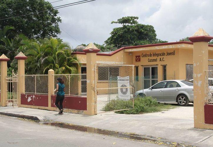El edificio se ubica en la avenida 30, entre calles José María Morelos y Cinco sur. (Redacción/SIPSE)