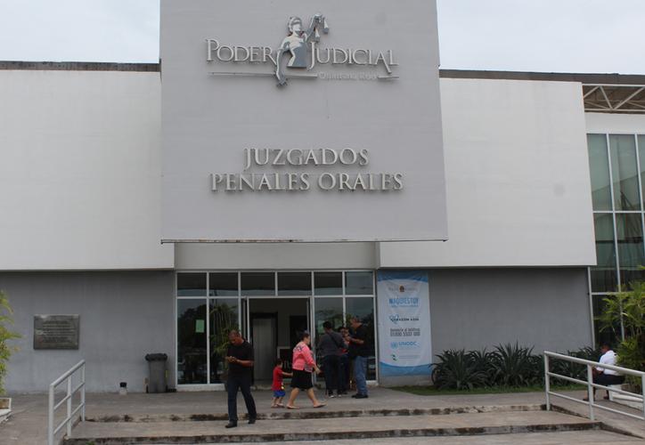 La audiencia se realizó en una de las salas del Juzgado Penal Oral en esta capital, donde está radicada la carpeta administrativa 144/2018. (Joel Zamora/SIPSE)