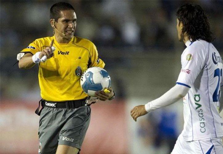 El árbitro central en el duelo Lobos BUAP-Mérida será Oscar Bernardo. (SIPSE)