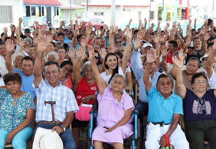 El programa estatal también integra a personas de la tercera edad. (Novedades Yucatán)