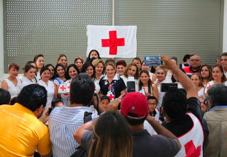 Inicio oficialmente el boteo en las calles de la Cruz Roja en Solidaridad. (Daniel Pacheco/SIPSE).