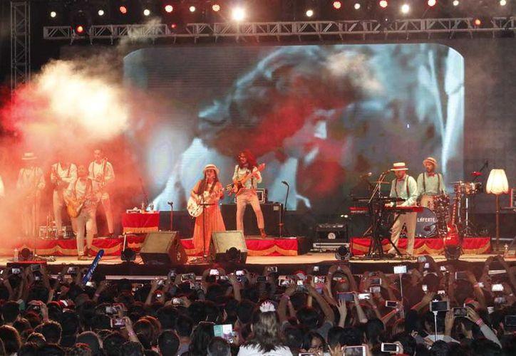 Cancún disfrutó de la presentación de Mon Laferte y Zoé. (Jocelyn Díaz/SIPSE)