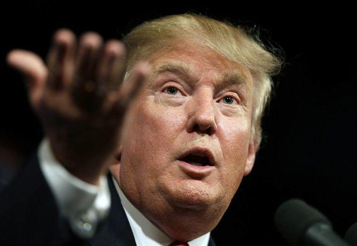 Donald Trump, postulado para presidente de EU, demandó a Univision por no transmitir Miss USA, evento del cual él es dueño parcial. En la foto, durante un discurso político el 16 de junio. (Foto: AP)