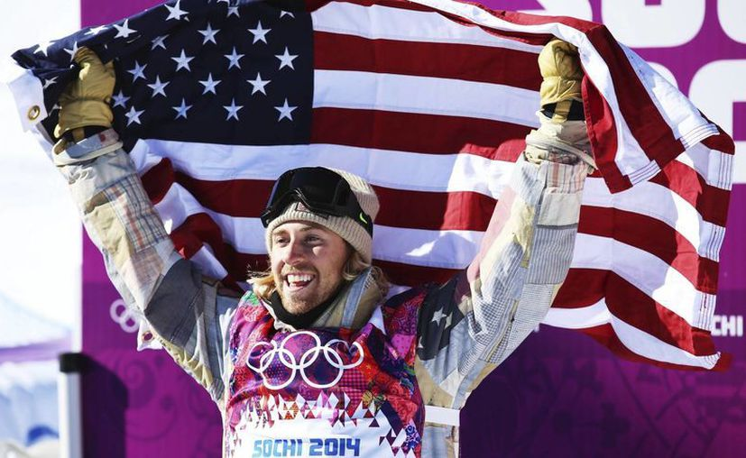 Con sólo 20 años de edad el estadounidense Sage Kotsenburg, consiguió la primera medalla en los Juegos Olímpicos de invierno de Sochi 2014. (EFE)