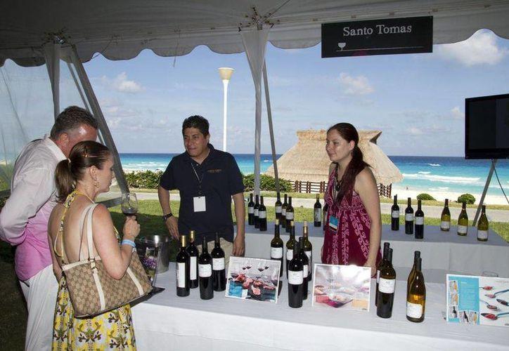 El evento busca posicionar al corredor turístico como un destino gastronómico de talla internacional. (Alida Martínez/SIPSE)