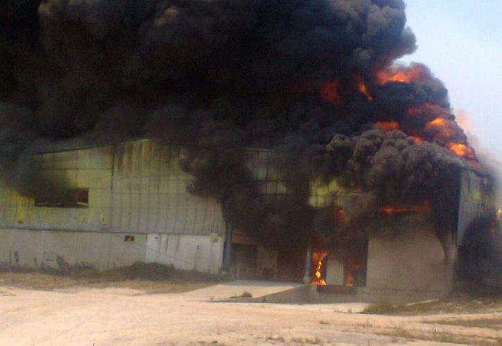 El incendio se registró el pasado jueves. (Sergio Orozco/SIPSE)
