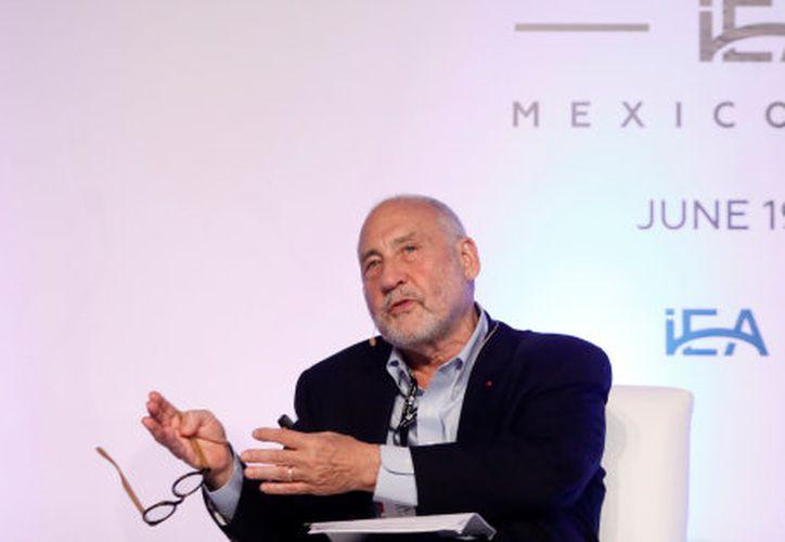 El Premio Nobel de Economía, Joseph Stiglitz, ofreció una ponencia en la Ciudad de México este lunes. (huffingtonpost.com.mx)