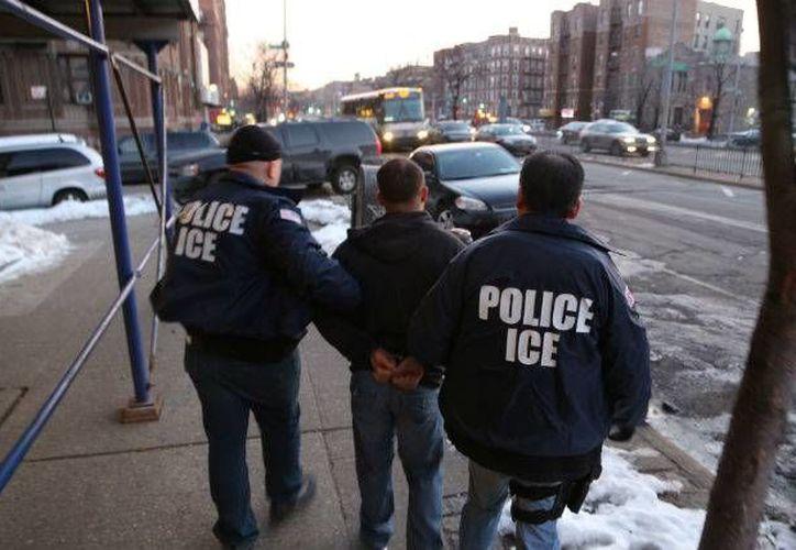 Congregaciones pertenecientes al Movimiento Santuario pretenden, entre otras cosas, orientar a los migrantes para afrontar a agentes de la  Oficina de Inmigración y Aduanas (ICE). (mexicomigrante.com)