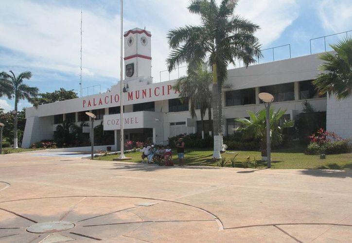 Los empleados del Ayuntamiento no han signado acuerdo para cubrir las deudas. (Julián Miranda/SIPSE)