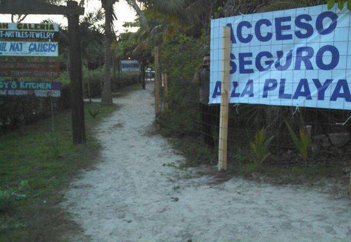 Únicamente quedó un pasillo que lleva a las instalaciones del Centro Ecológico. (Adrián Barreto/SIPSE)