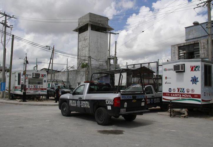 El pasado jueves, las autoridades realizaron un operativo en la cárcel, donde aseguraron armas blancas y estupefacientes. (Tomás Álvarez/SIPSE)