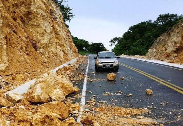 Reportan deslaves ante la presencia de lluvias. (Edgardo Rodríguez/ SIPSE)