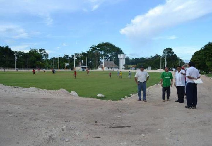 Además realizaron la supervisión de la obra que comprende la realización de la carretera de acceso al poblado de Noh-Cah. (Redacción/SIPSE)