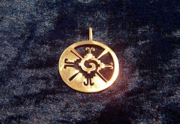 Símbolo del Hunab Ku, que para los mayas era el dios supremo, centro de toda la galaxia. (www.ka-gold-jewerly.com)