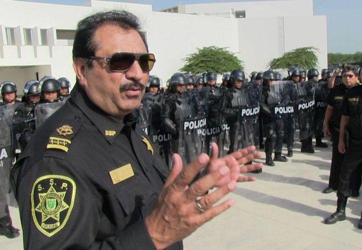 El titular de la SSP, Luis Felipe Saidén, girando instrucciones. (Milenio Novedades)