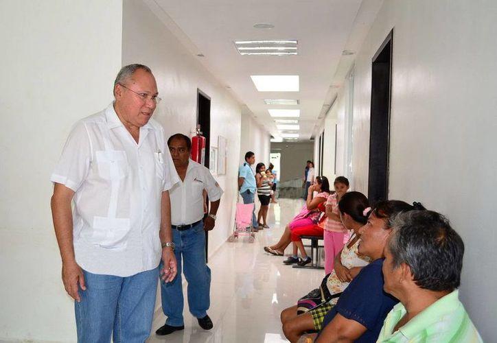 El secretario de Salud dijo que a partir de hoy Maya Balam cuenta con nuevo director de la unidad médica. (Cortesía/SIPSE)