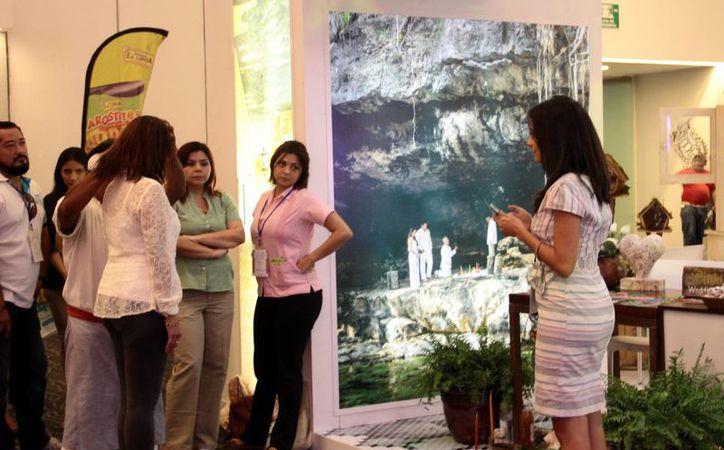 Le apuestan turisteros de Yucatán a las bodas para ingresar a un mercado que representa mil millones de pesos al año. (Milenio Novedades)