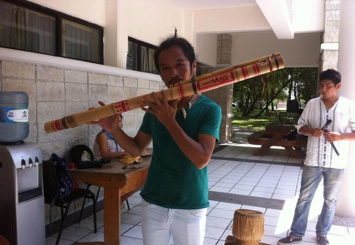 Durante la celebración hubo música en lengua otomí y náhuatl. (Benjamín Pat/SIPSE)