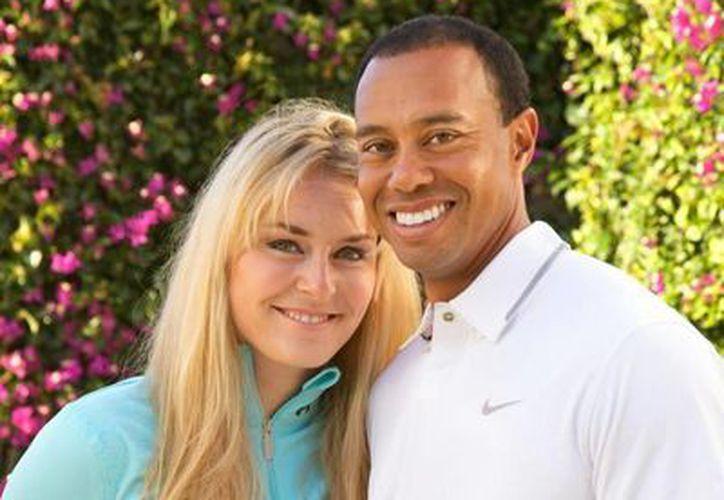 El golfista Tiger Woods y la esquiadora Lindsey Vonn dieron a conocer oficialmente su relación de pareja. (Facebook)