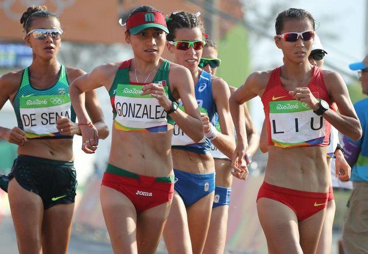 Guadalupe González obtuvo la presea de plata en la prueba de marcha femenil de 20 kilómetros en Río 2016. (Notimex)