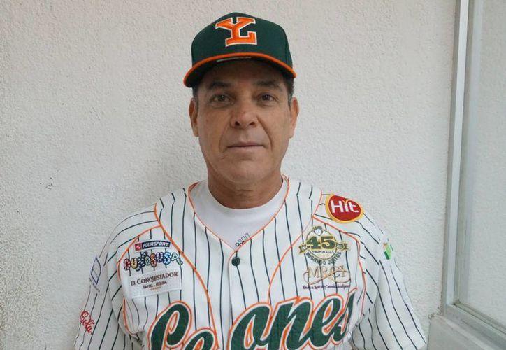 El coach Juan de Dios Chávez regresa a Leones de Yucatán, que se ha reforzado con numerosos jugadores. (Milenio Novedades)