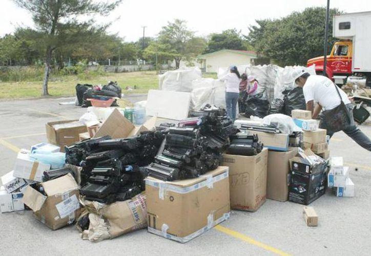 """El """"Reciclatón"""" comienza desde hoy, mañana y el domingo, en el Parque de las Américas. (Milenio Novedades)"""
