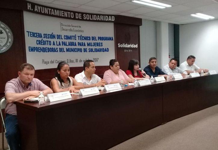 """En Solidaridad han entregado 258 apoyos económicos a través del programa """"Crédito a la palabra para mujeres emprendedoras"""". (Redacción/SIPSE)."""