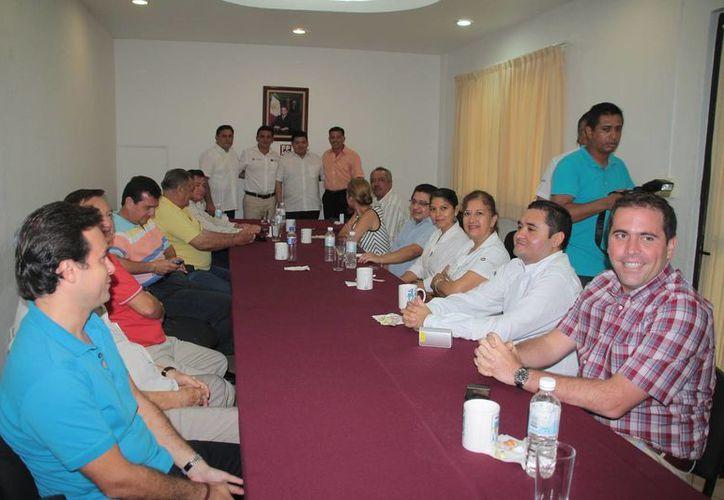 Junta extraordinaria del Consejo de la Fundación de Parques y Museos de Cozumel. (Julián Miranda/SIPSE)