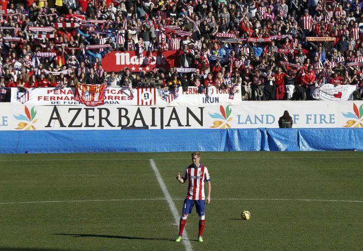 'El Niño' Torres no solo ha obtenido grandes logros con Atlético de Madrid sino que la gente de ahí lo quiere mucho, lo cual es sin duda un nuevo obstáculo para el mexicano Raúl Jiménez en su intento de triunfar. (EFE)