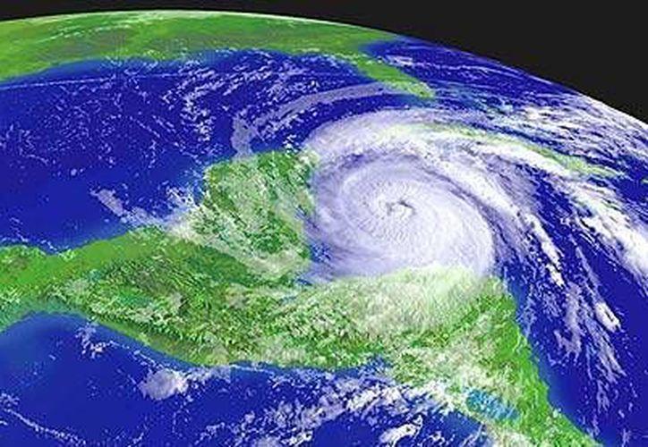 Las autoridades señalaron que la temporada de huracanes será de baja intensidad este año. (Harold Alcocer/SIPSE)