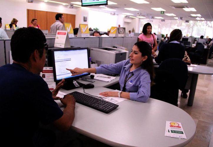 El SAT busca apoyarse en empresas para gestionar la gran cantidad de información que recibe. (SIPSE)