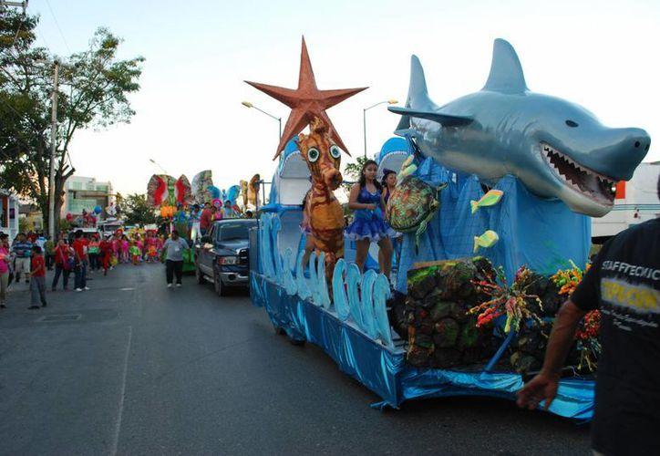 Hoy es el tercer día del carnaval. Las actividades comenzarán a partir de las 17 horas. (Tomás Álvarez/SIPSE)