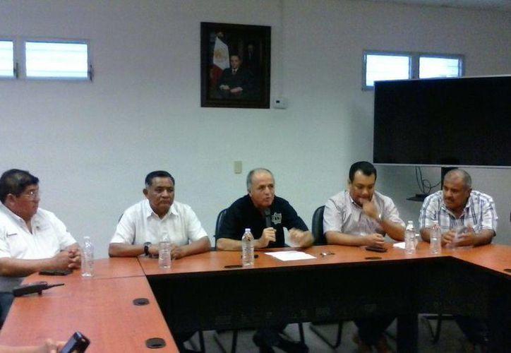 Se dio el nombramiento oficial de Joel Flores Cardoso como el nuevo Director del Cereso de Cancún. (Redacción/SIPSE)
