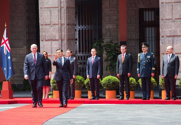 Peña Nieto recibió al gobernador general de Australia, sir Peter Cosgrove, en Palacio Nacional. (Presidencia)